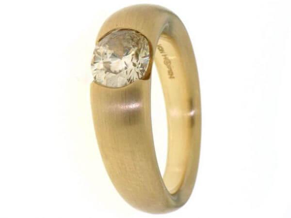 Ring aus Roségold mit 1 Diamant 1,08 ct