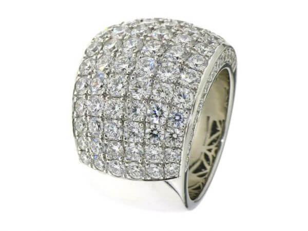Ring 750 Weißgold mit 104 Brillantem