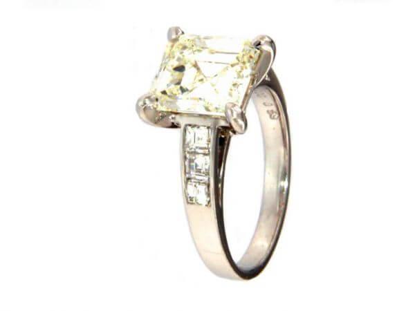 Ring mit Aaschercut Diamant 3,5 ct