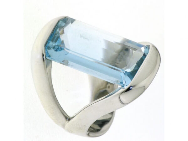 Ring 750 Weißgold mit Aquamarin