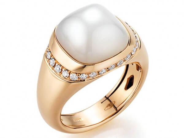 Ring aus Roségold Mondstein und Brillant