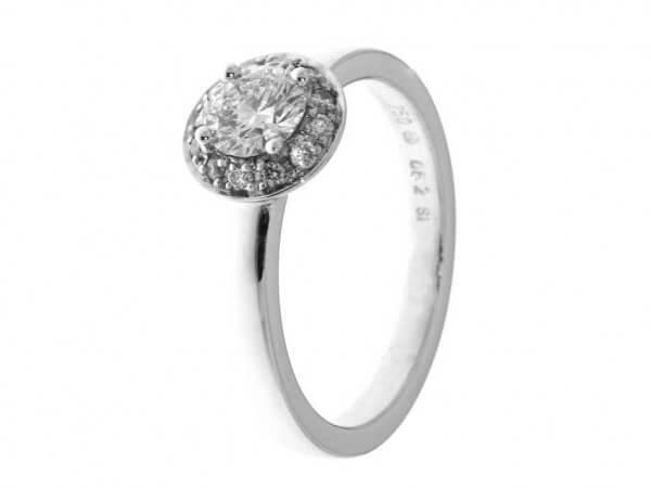 Ring aus Weißgold mit Brillanten 0,62 ct