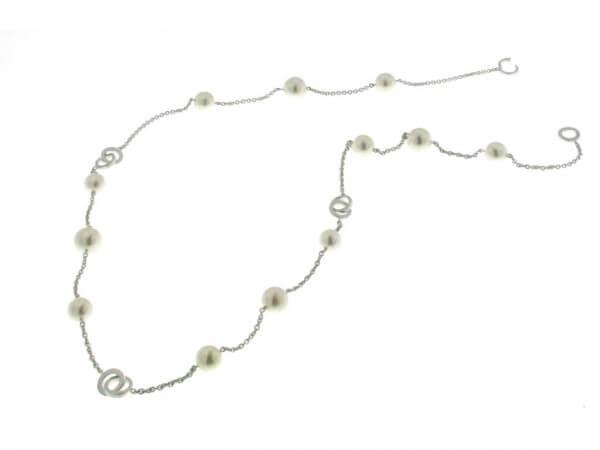 Kette aus Weißgold mit Süßwasser Perlen