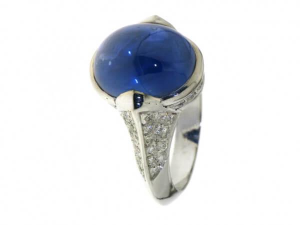 Ring 750 Weißgold Safircabochon,Diamant