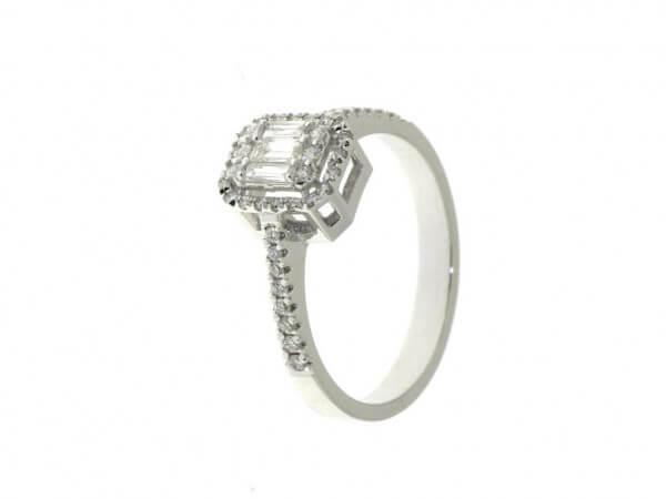Ring aus Weißgold mit Diamanten 0,53 ct