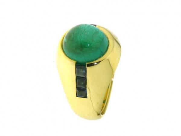 Ring 750 Gelbgold Smaragd und Safire