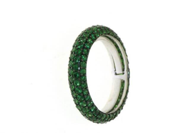 Ring aus Weißgold mit Tsavorithen