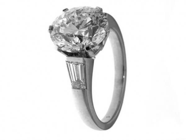 Ring 950 Platin 1 Brillant 4 ct