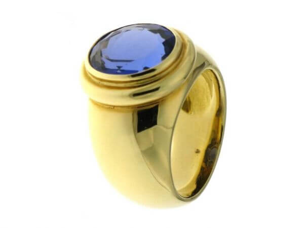 Ring Gelbgold mit facettiertem Tansanit