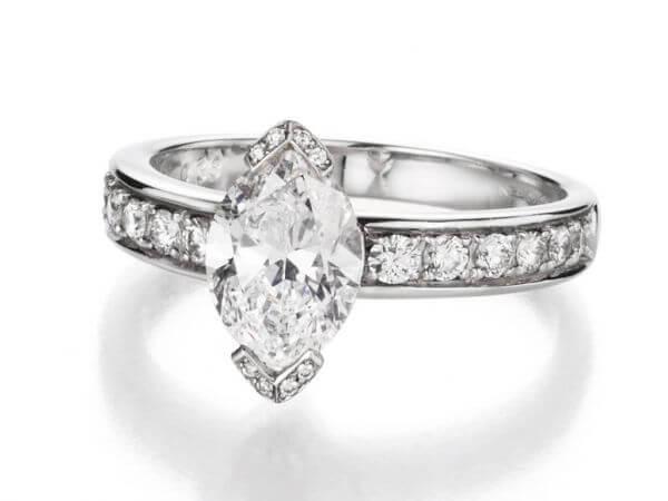 Ring Diamantnavette 2,03ct und Brillant
