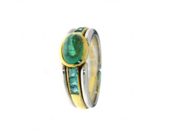 Ring Gelb/Weißgold mit Smaragden