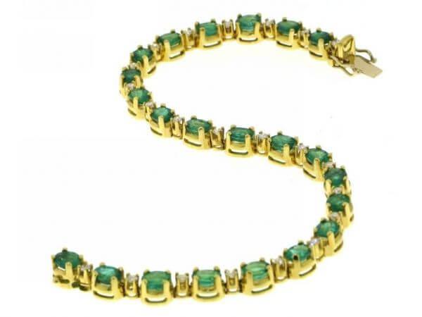 Armband Gelbgold Smaragde und Brillanten