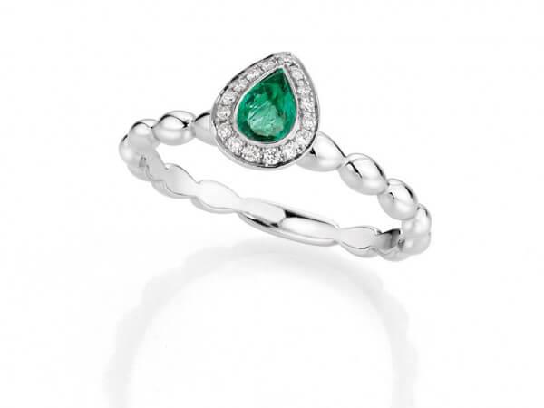 Ring aus Weißgold Smaragd und Brillant
