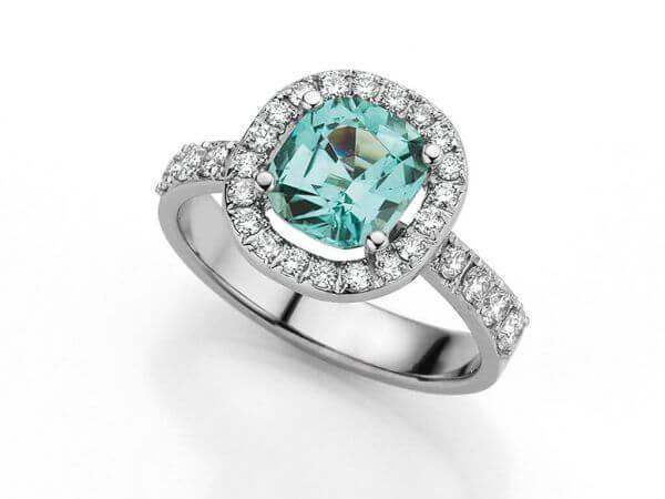 Ring mit blue Turmalin antik, Brillanten