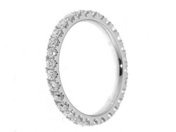 Memoire Ring aus Weißgold 32 Brillanten