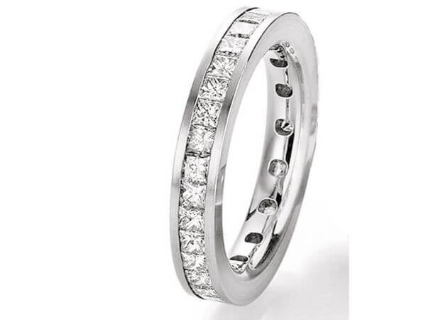 Memoire Ring mit Princess Diamanten