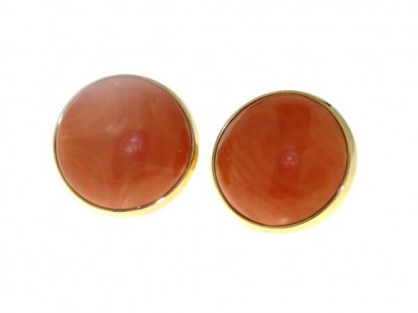 Ohrringe aus Roségold mit runder Koralle