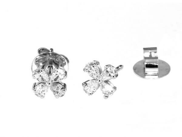 Ohrstecker mit 8 Diamant Tropfen