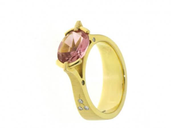 Ring 750 Gelbgold rosa Turmalin,Brillant
