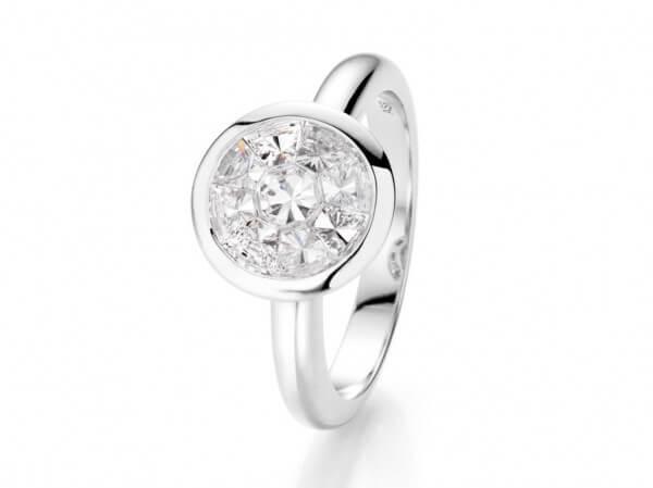 Ring aus Weißgold mit Diamanten 2ct look