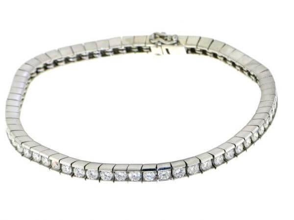 Armband aus Platin mit 63 Brillanten