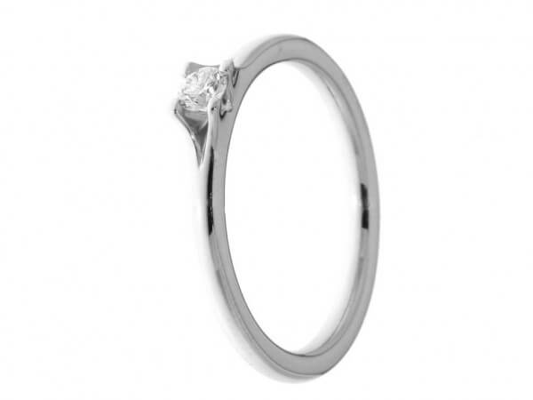 Solitär Ring aus Platin 1 Brillant 0,11