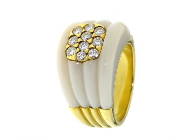 Ring 750 Gelbgold weißer Achat,Brillant