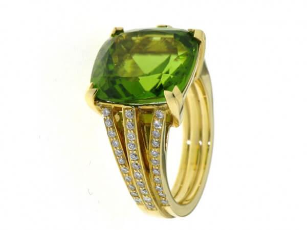 Ring 750 Gelbgold Peridot Brillanten