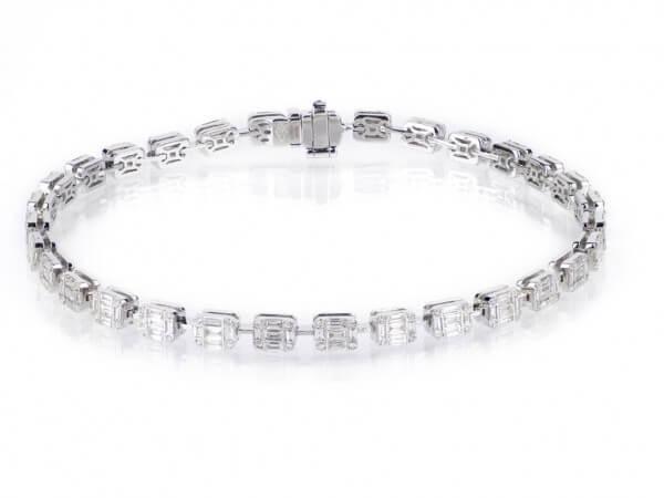 Armband aus Weißgold mit Diamanten
