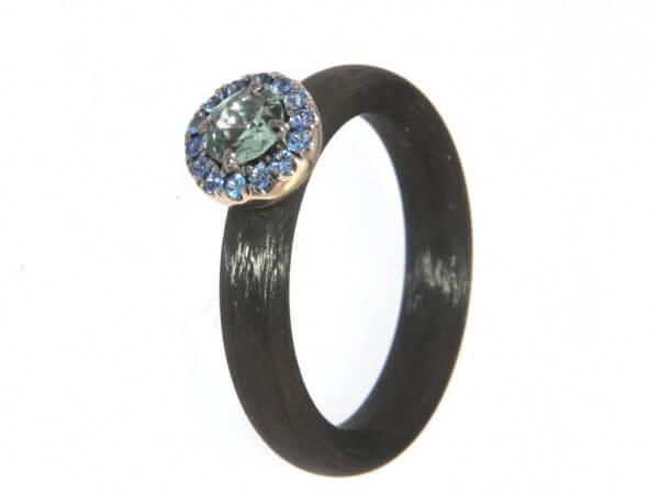 Ring Carbon 4mm Weißgold und Safire