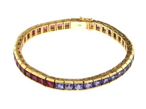 Armband mit blauen und roten Turmalinen