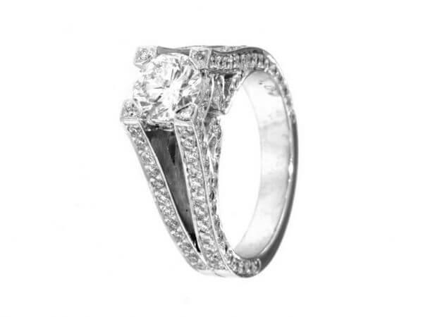 Ring aus Weißgold mit Brillant 1,07 ct