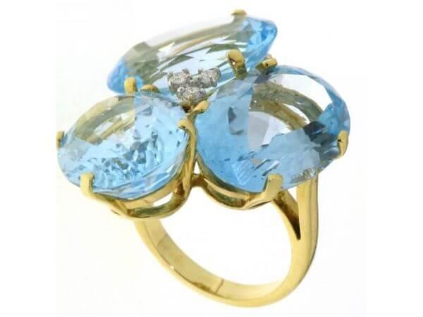 Ring Gelbgold Blautopase und Brillanten