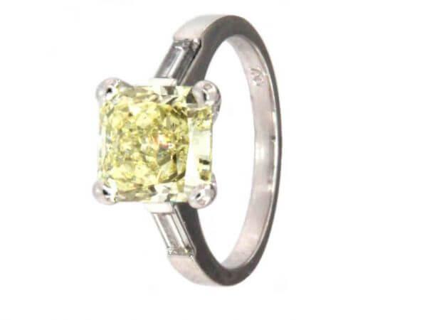 Ring mit fancy yellow Diamant 3,5 ct