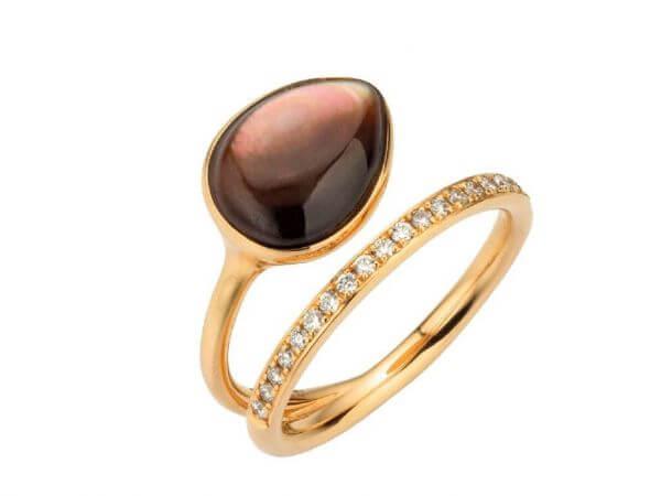 Ring aus Roségold mit braunem Perlmutt