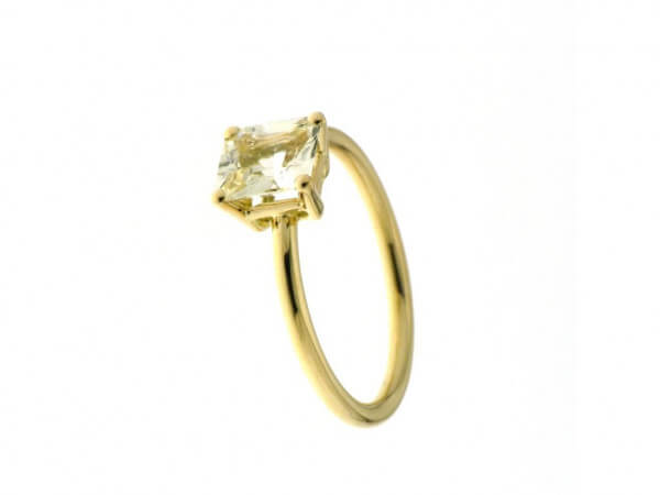 Ring Roségold mit gelbem Safir