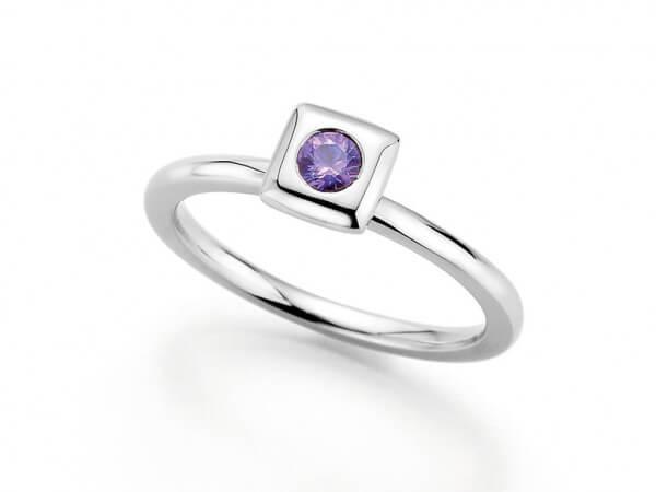 """Ring """"Mila"""" medium mit violettem Safir"""