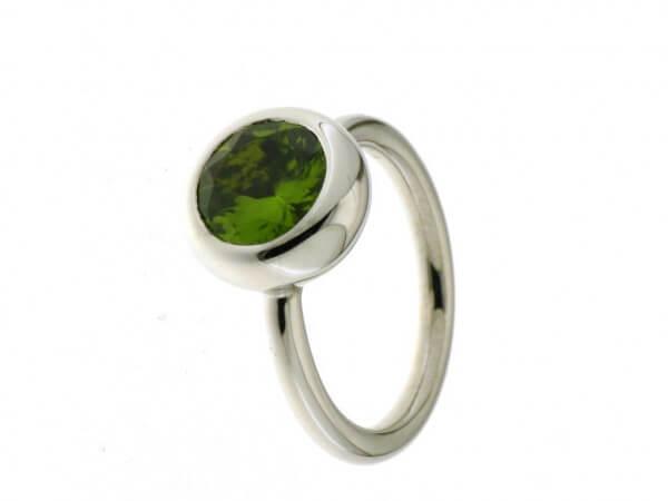 Ring Weißgold mit rundem Peridot 10 mm