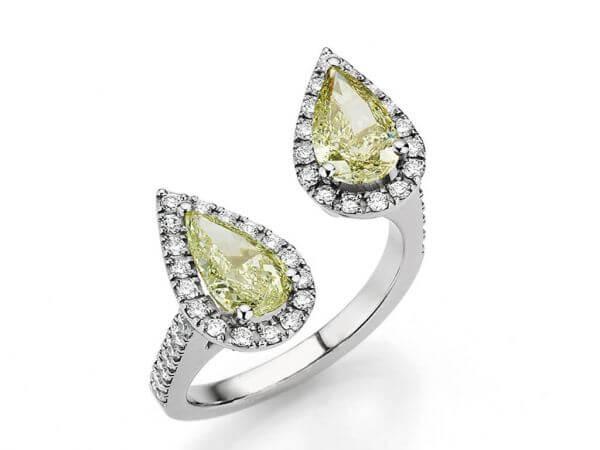 Ring aus Weißgold mit 2 Diamanttropfen