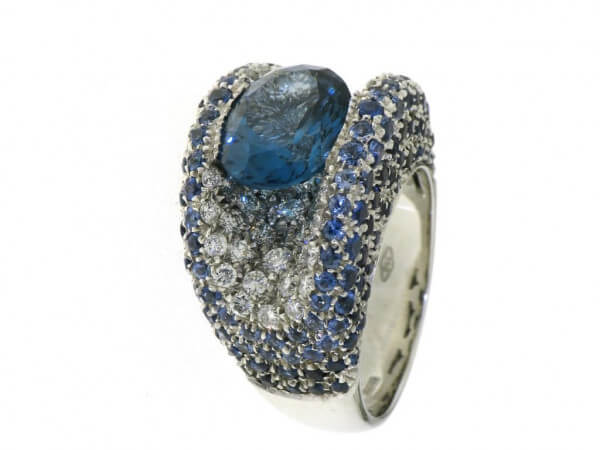 Ring 750 Weißgold Blautopas,Safire,Brill