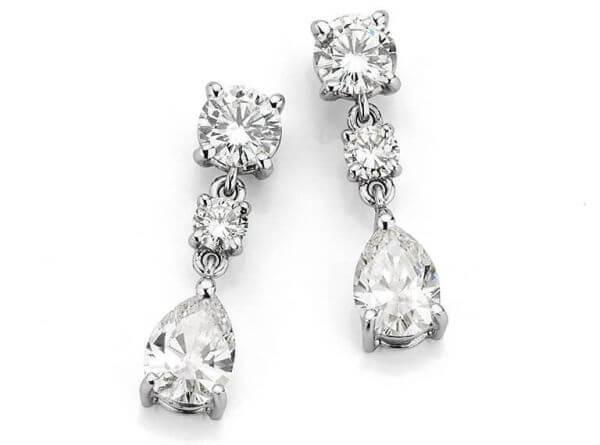 Ohrringe aus Weißgold mit 6 Diamanten