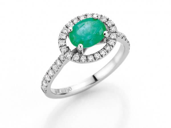 Ring aus weißgold Smaragd und Brillanten