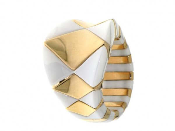 Ring aus weißer high tech Keramik