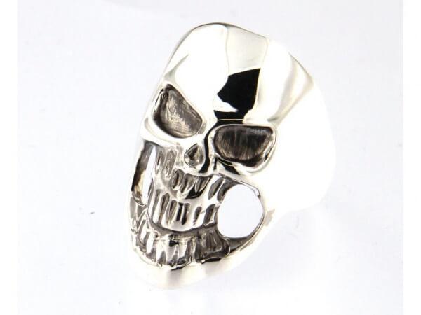 Ring mit Totenkopf aus Sterling Silber