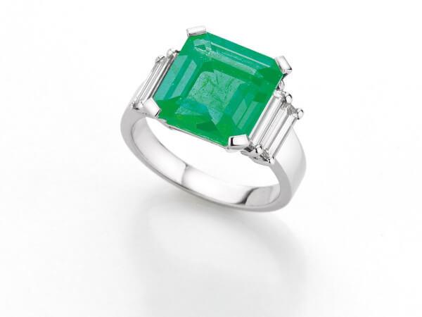 Ring Weißgold Smaragd und Dimanten