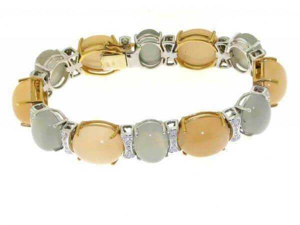 Armband mit Mondsteinen und Brillanten