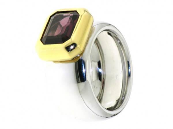 Ring 750 Gelb/Weißgold mit Rodolith