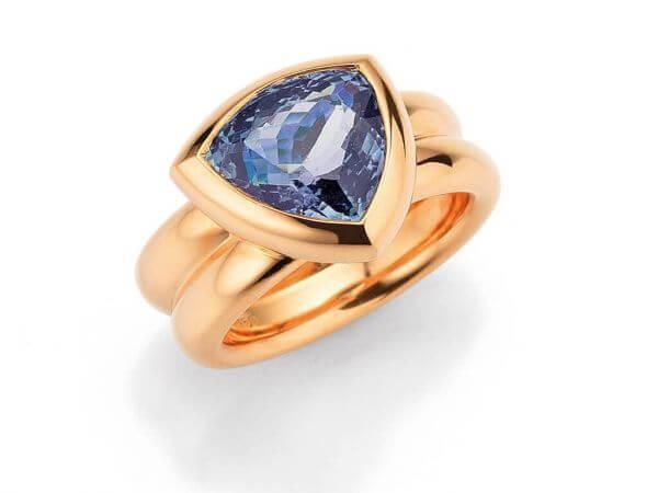 Ring aus Roségold mit Tansanit Triangel