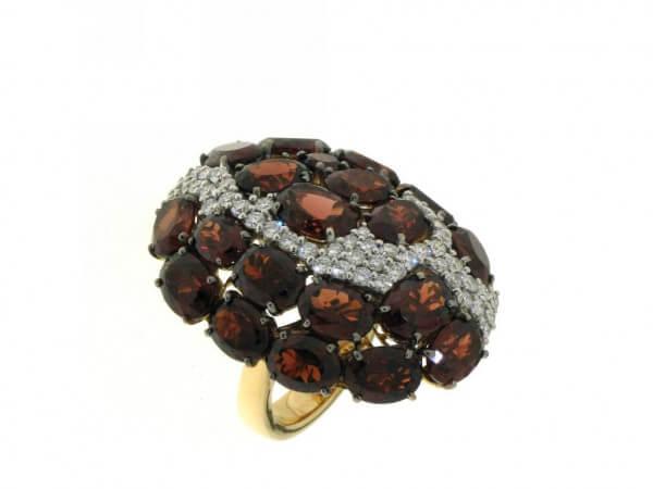 Ring aus Roségold Granate und Brillanten
